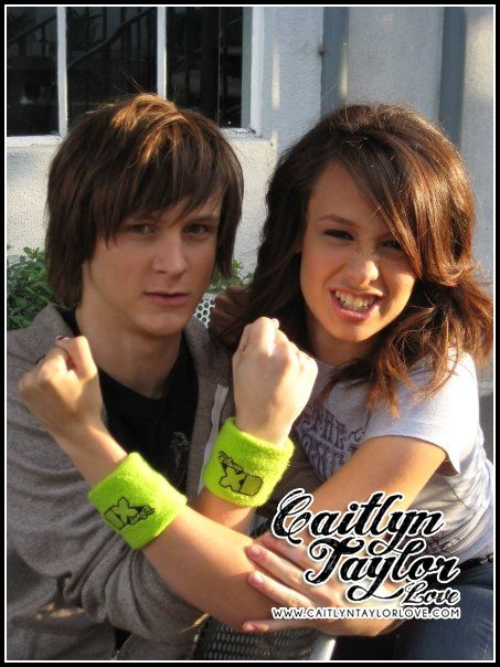 Caitlyn Taylor Love And Logan Miller Caitlyn Taylor Love s Logan