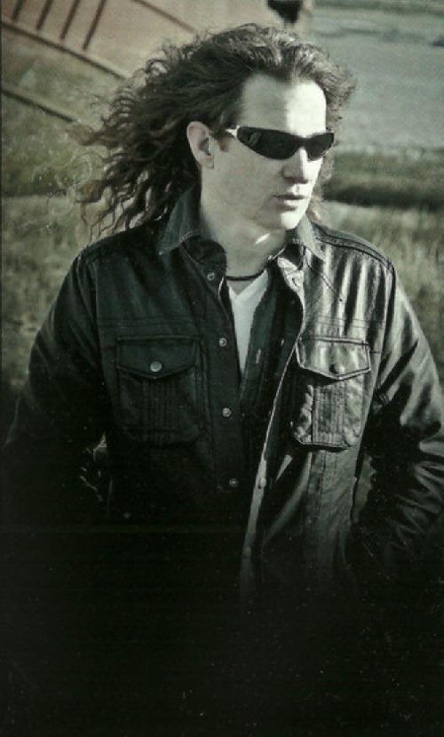 2012 - Steve McKenna (bass guitar)