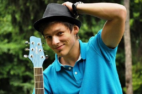 Pavel Callta (je vidno aj kúsok gitary) ;-)
