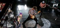 red-hot-chili-peppers-369887.jpg
