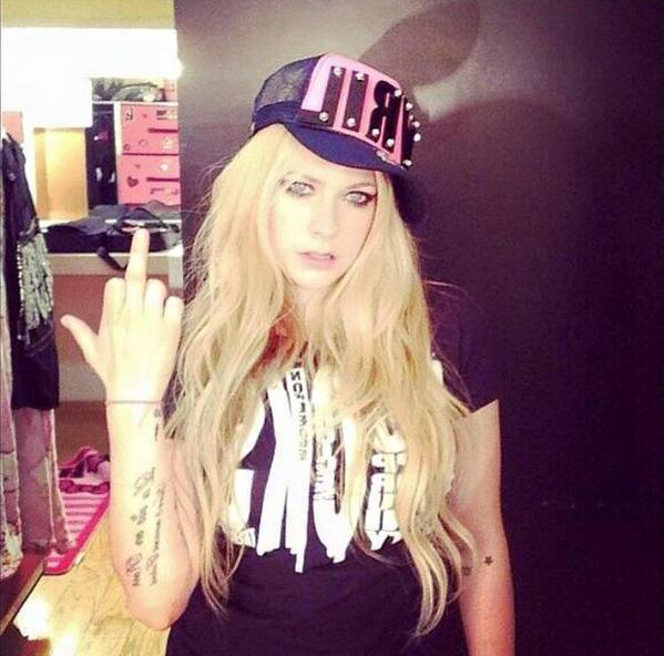 -Avril-