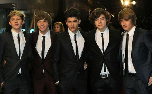 Viděla jsem padat pět hvězd...♥ jo,to One Direction spadli ze schodů...♥